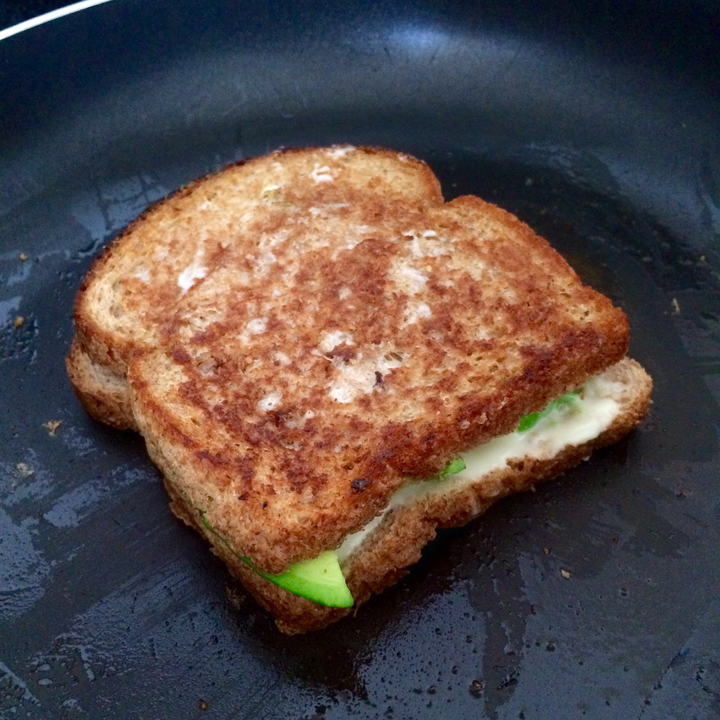 how to make a grilled cheese sandwich on a pan