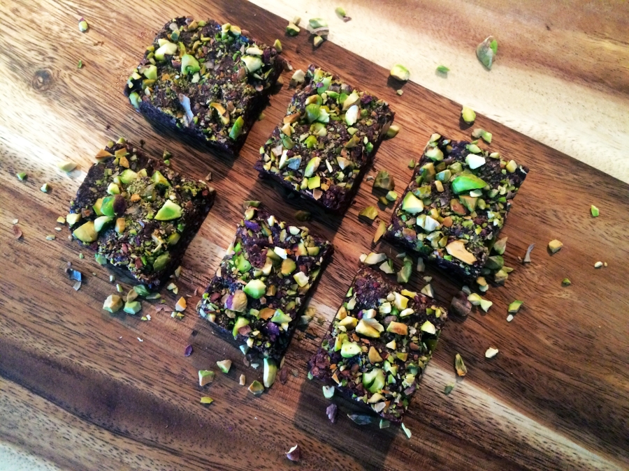 raw chocolate pistachio bites