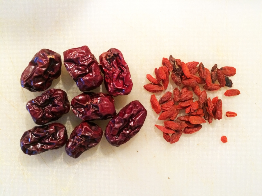 red date goji berry date